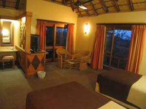 hluhluwe-2-bed-non-selfcatering-chalets-2bbh_6_L